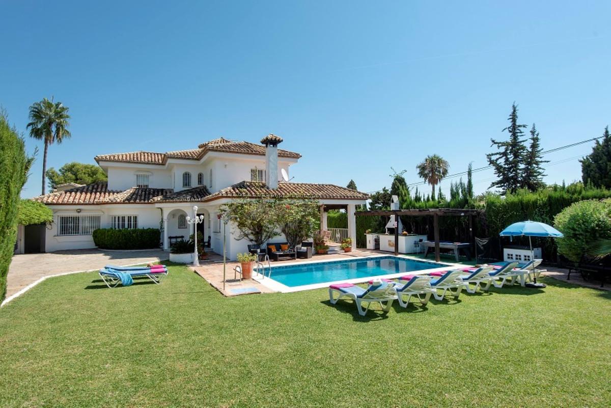 Detached Villa for sale in El Paraiso R3615011