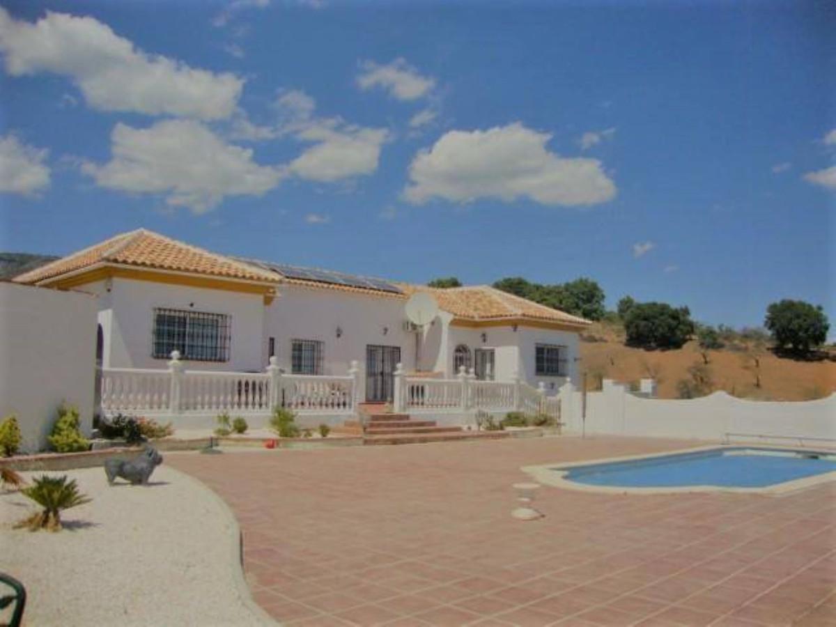 Villa en Venta en Tolox