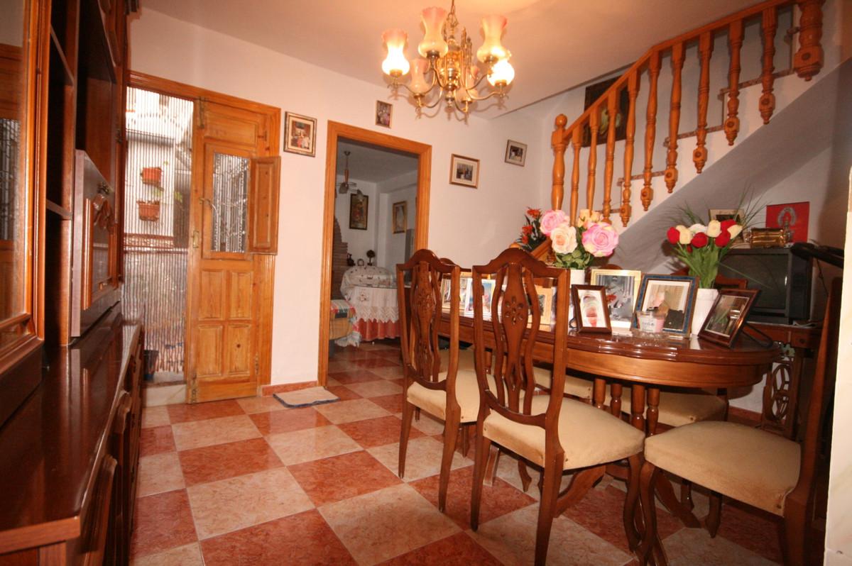 Rijhuis te koop in Coín R3541498