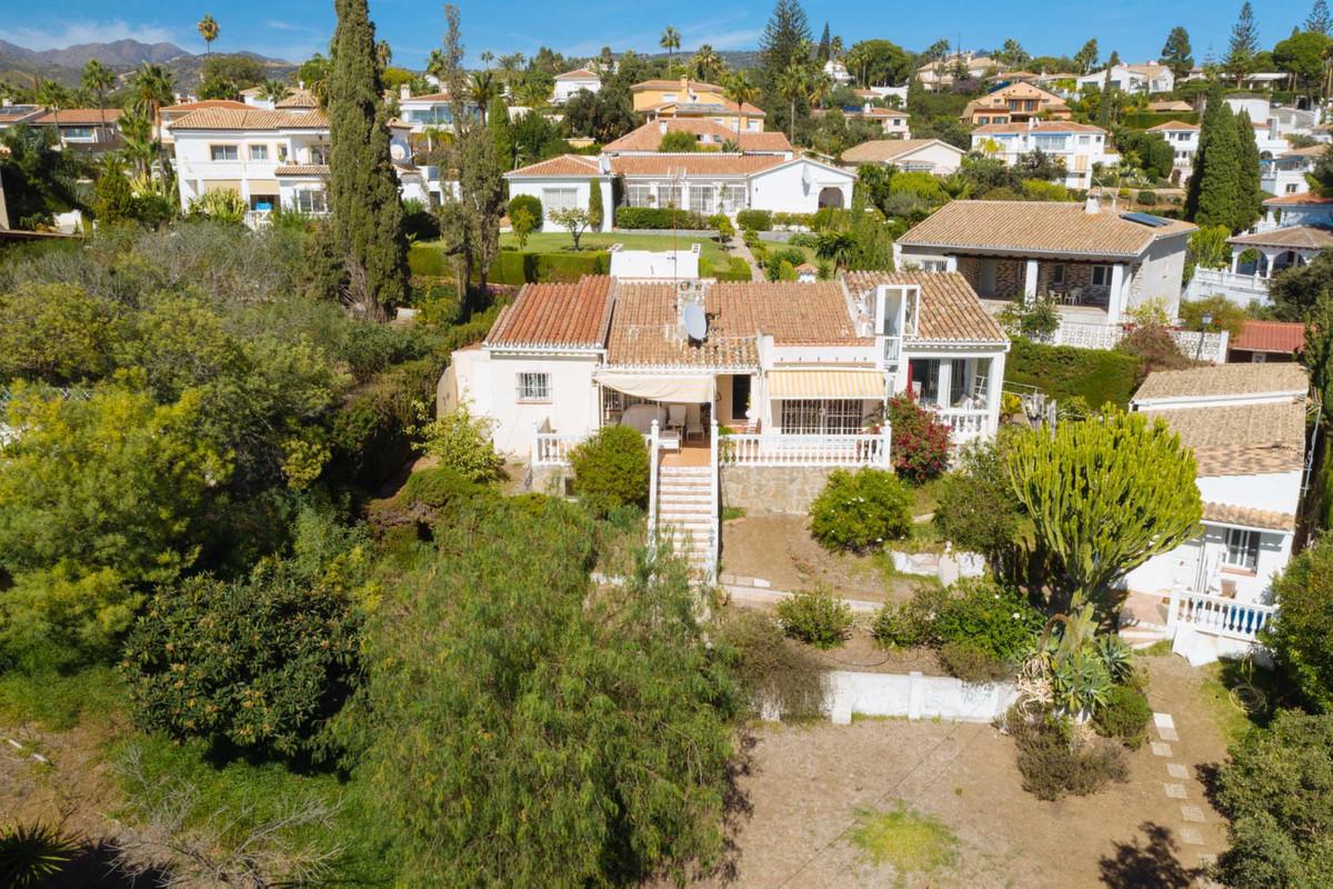 Elviria Las Cumbres Marbella  Villa on plot of  1.130 M2, facing east, south + west. The plot , slig,Spain