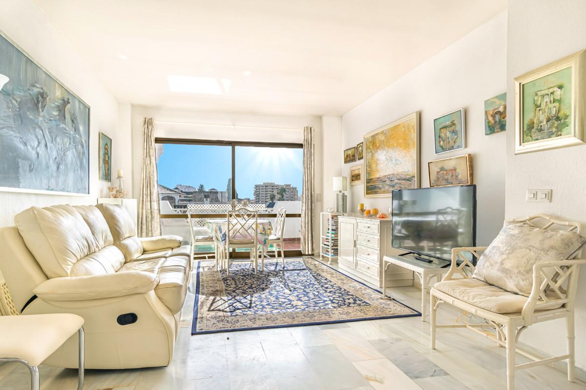 Top Floor Apartment, Fuengirola, Costa del Sol. Built 123 m², Terrace 18 m².  Setting : Town, Commer,Spain