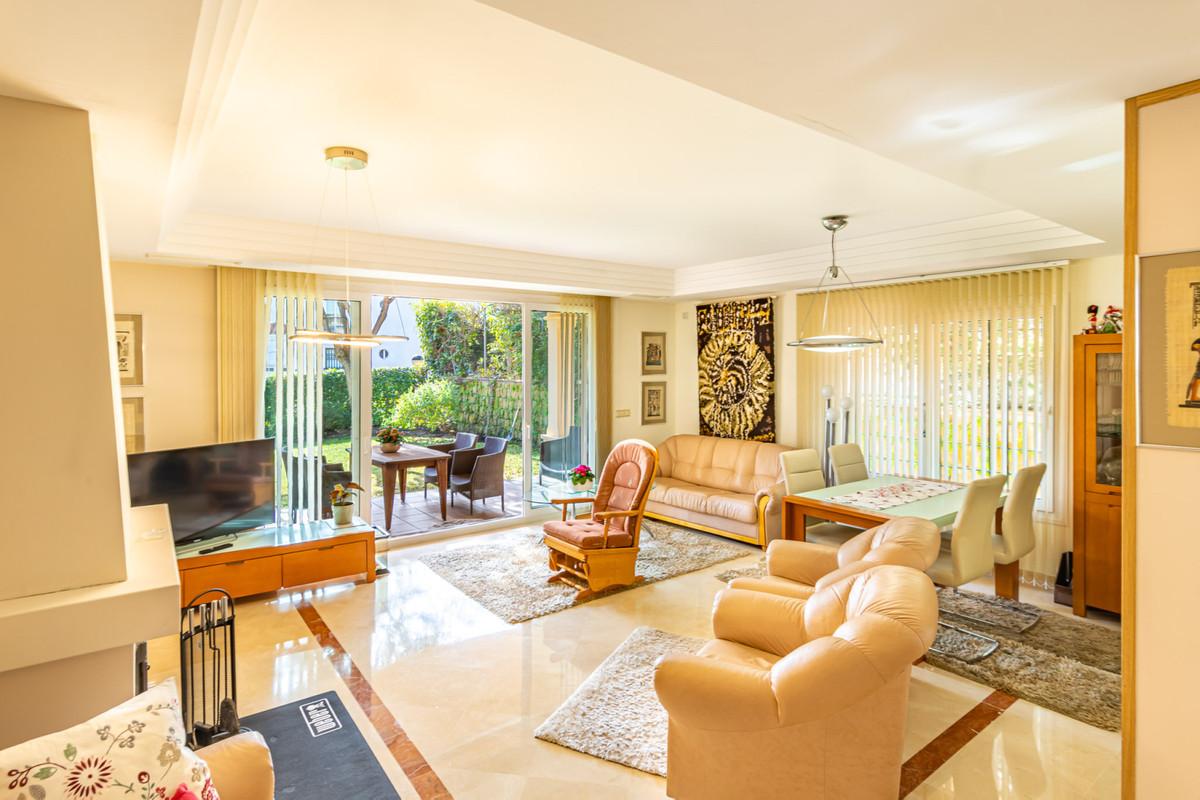 Detached Villa, Riviera del Sol, Costa del Sol. 3 Bedrooms, 3 Bathrooms, Built 130 m², Terrace 40 m²,Spain