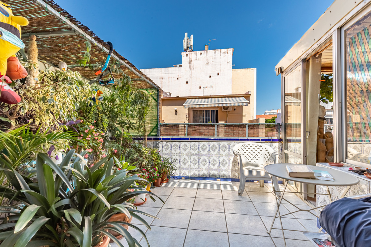 Spacious studio apartment in the heart of Fuengirola. Studio apartment with many possibilities in th,Spain