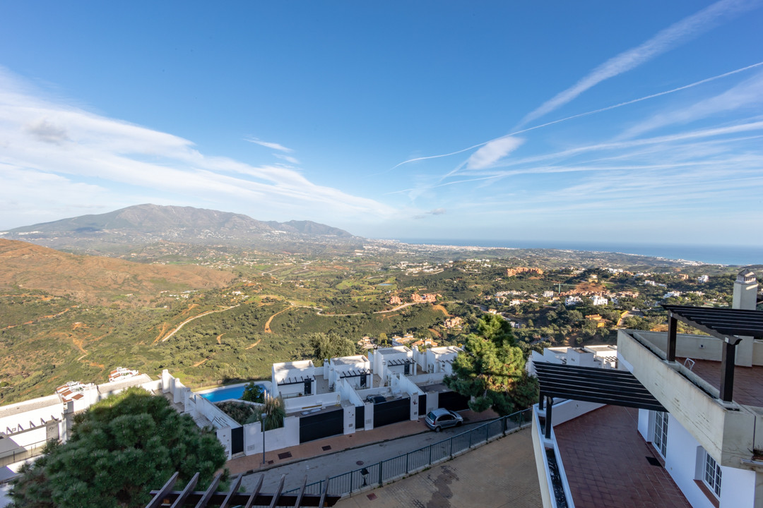 Villa  Semi Detached for sale   in Ojén