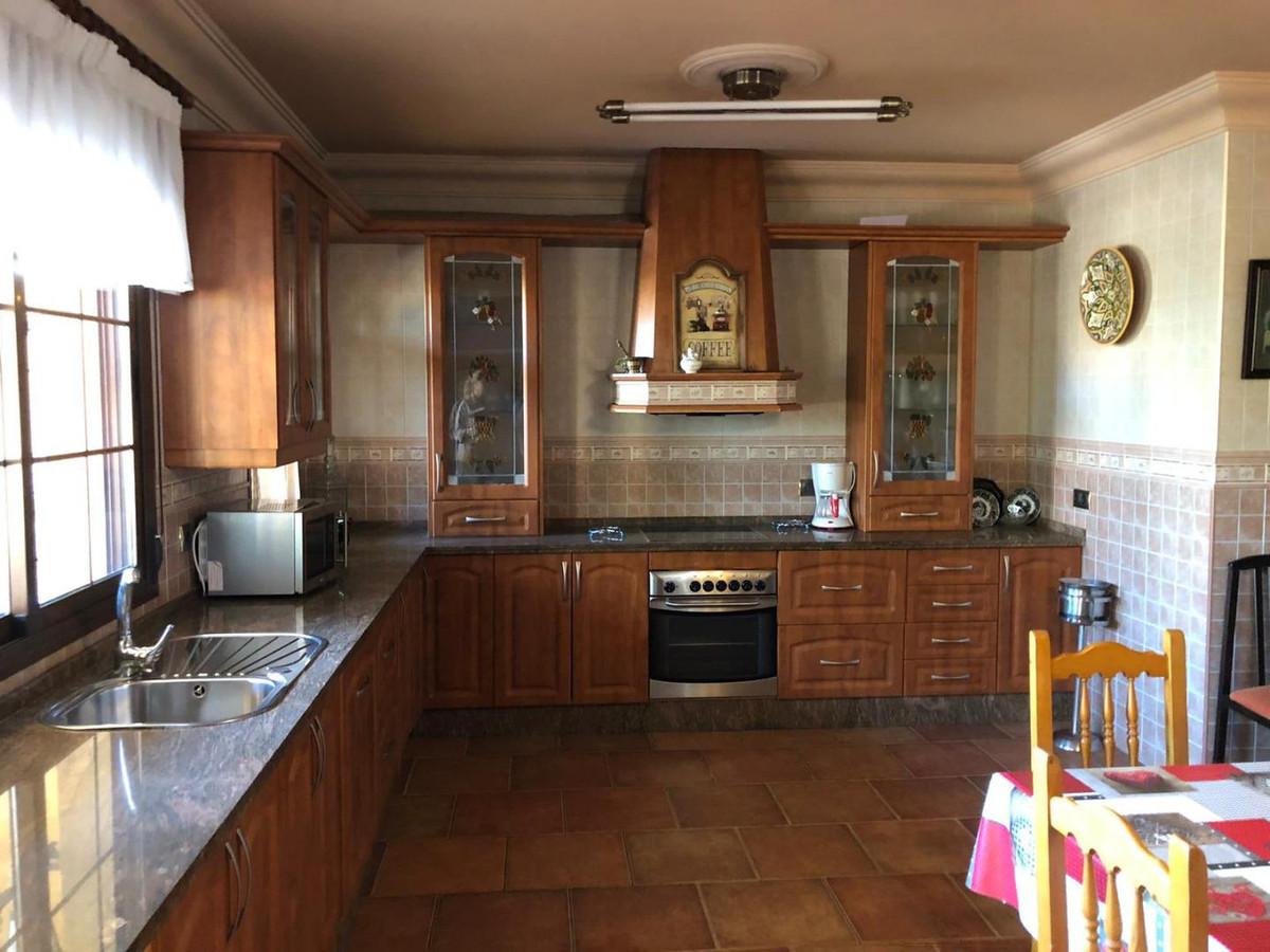 Villa con 6 Dormitorios en Venta Málaga