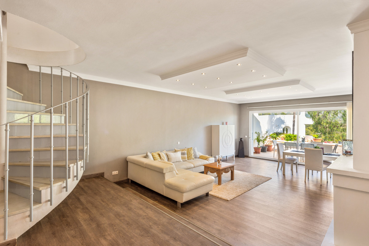 Townhouse, Terraced  for sale    in Aloha