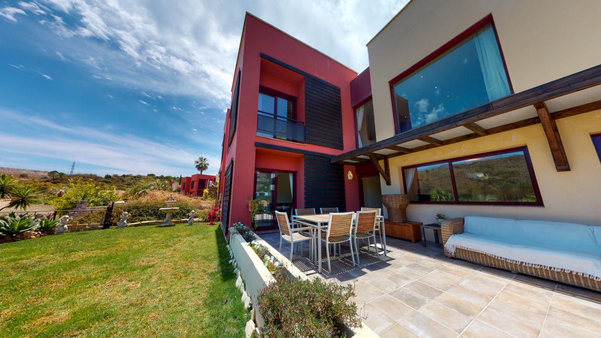 Elegant Villa for sale in Benahavis, Malaga  Benahavis, Parque Botanico, Villa for sale with 4 bedro,Spain