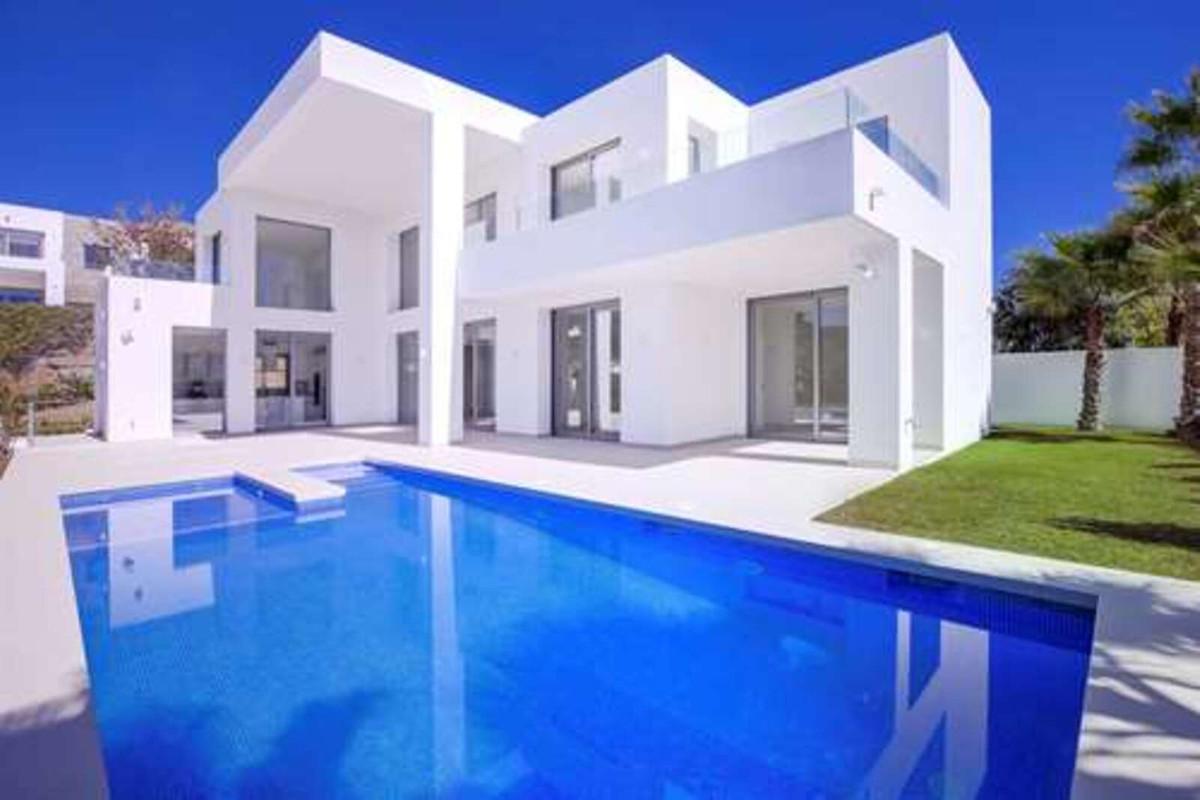 Detached Villa for sale in Benahavís R3866374