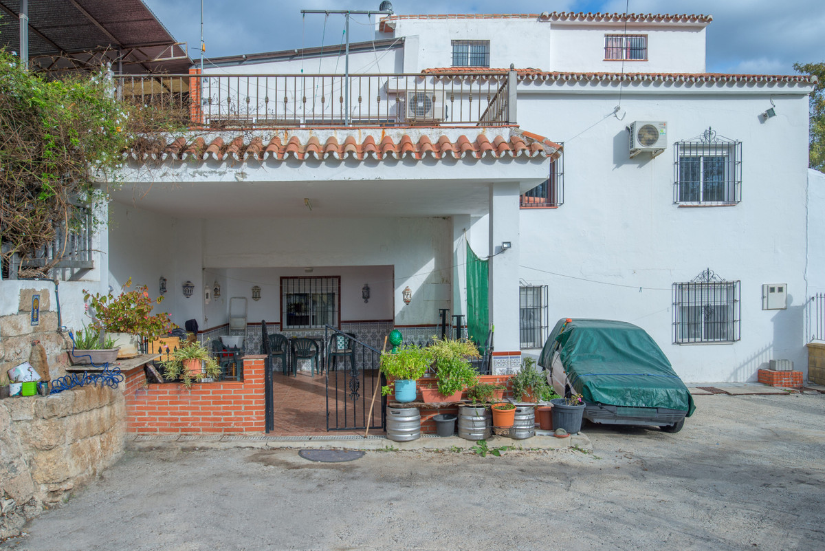 House in Alhaurín el Grande R3767332 1