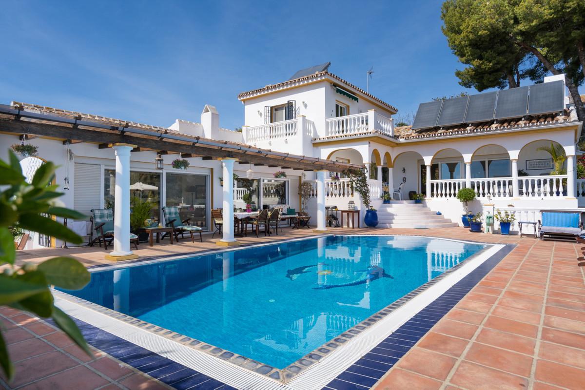 Villa te koop in Sierrezuela R3630278