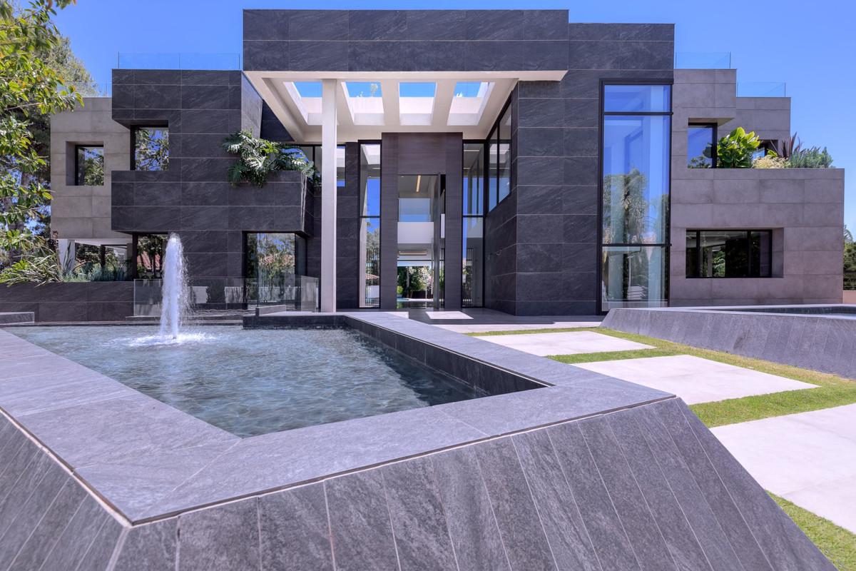 Villa - Chalet en venta en Guadalmina Baja R3877786