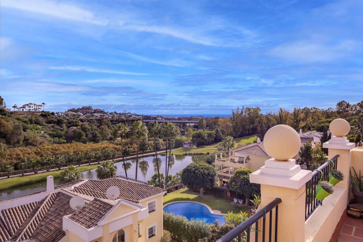 Opportunity in La Quinta: 2 bedroom top floor apartment  Bright and well-distributed top floor apart,Spain