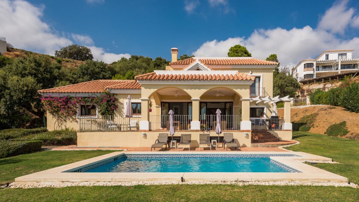 Villa Til salgs i Benahavís R3933892