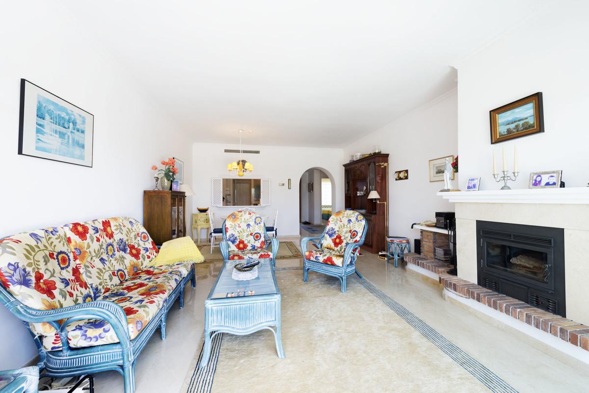 2 Bedroom Apartment For Sale, Estepona