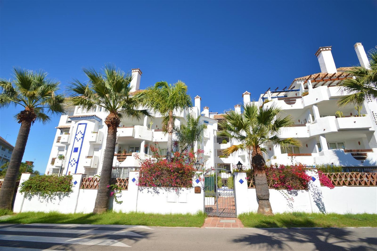 Are you looking for an apartment to enjoy a beautiful beach? Do not miss this fantastic apartment ju,Spain