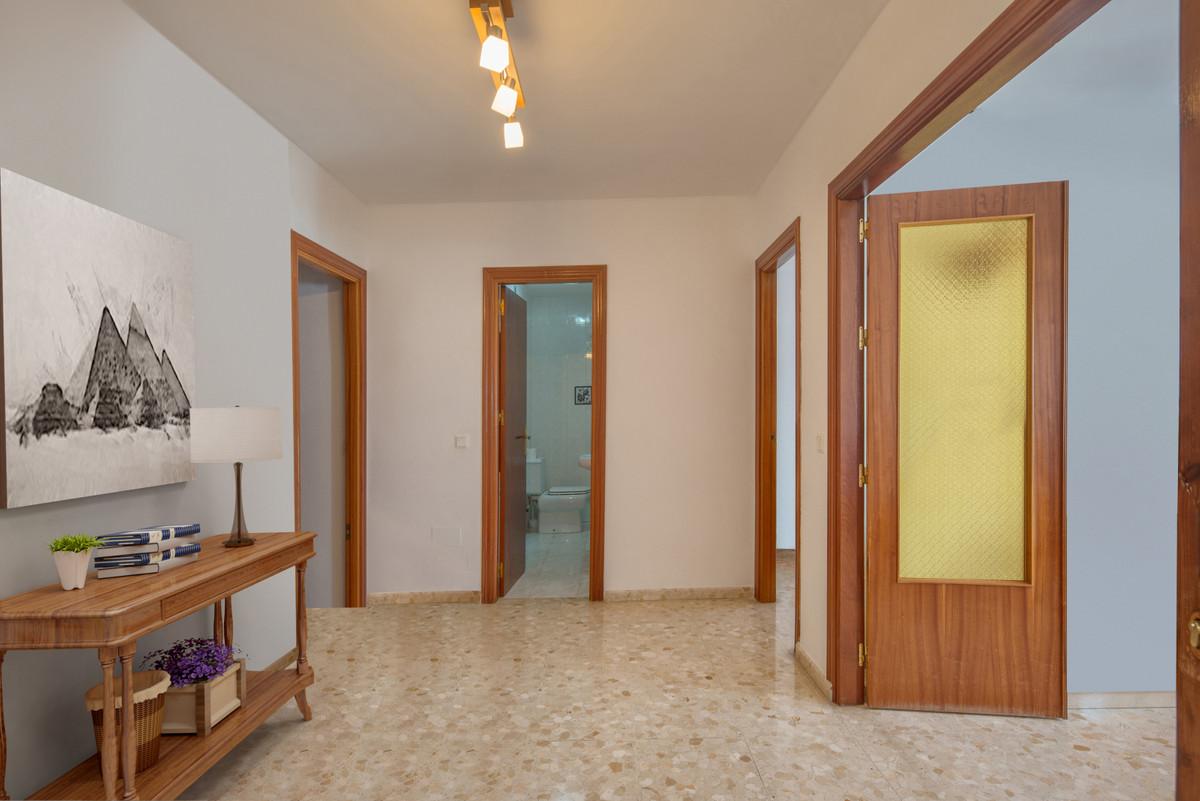 Apartamento con 3 Dormitorios en Venta Alhaurín el Grande