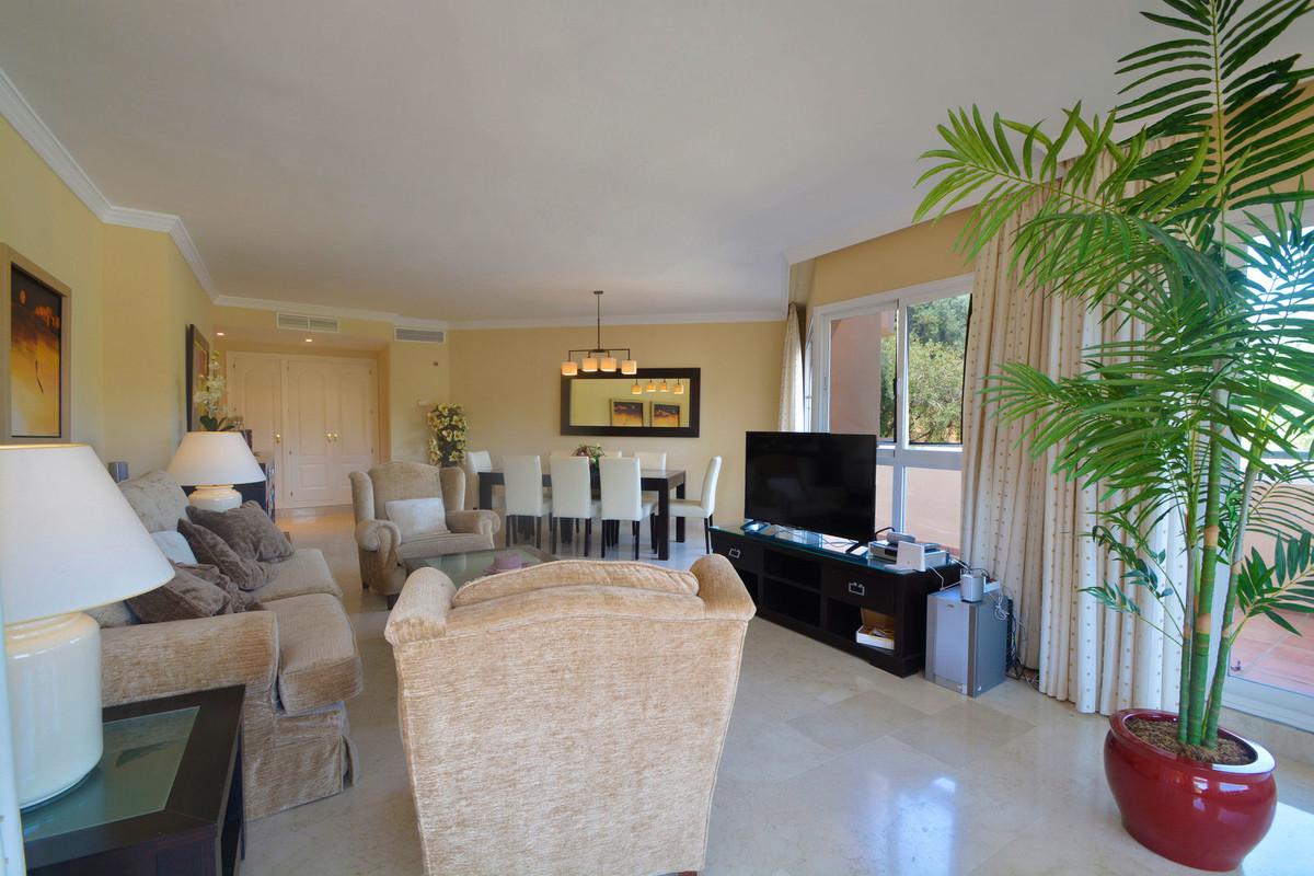 Apartment Middle Floor Elviria Málaga Costa del Sol R3676349 4