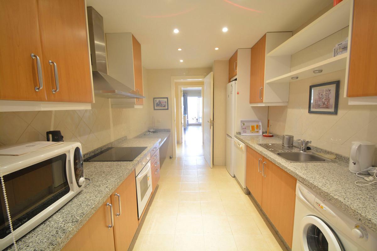 Apartment Middle Floor Elviria Málaga Costa del Sol R3676349 5
