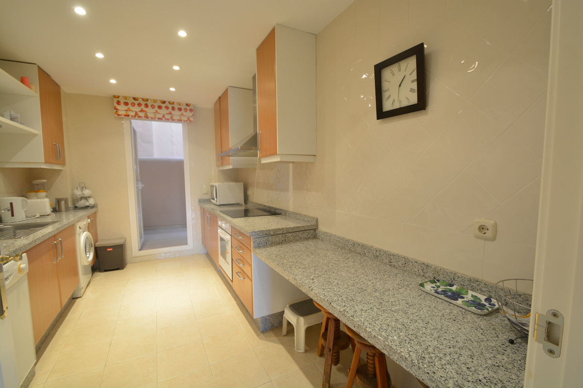 Apartment Middle Floor Elviria Málaga Costa del Sol R3676349 6