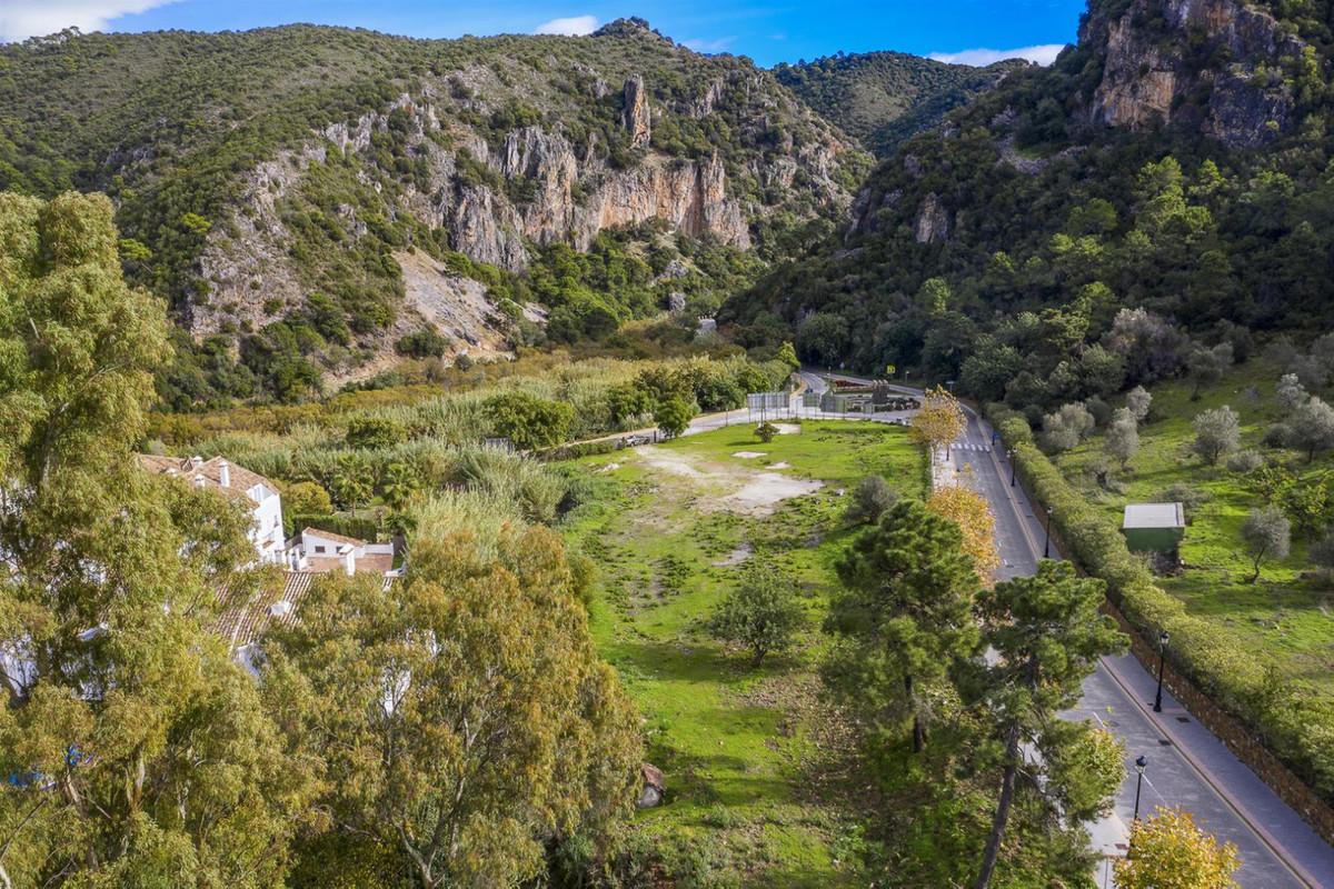 COMMERCIAL PLOT: big investment opportunity in Benahavis village  Developable plot for commercial us,Spain