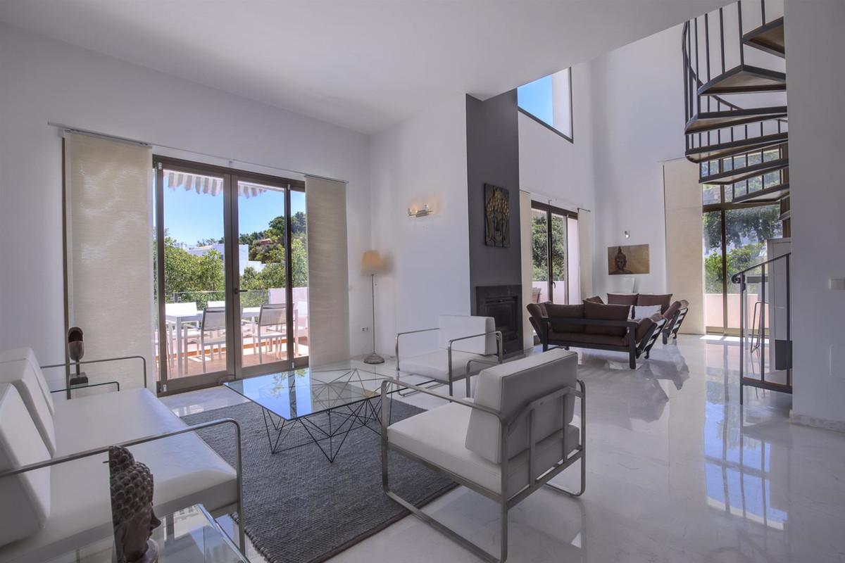 Detached Villa for sale in La Mairena R3667406