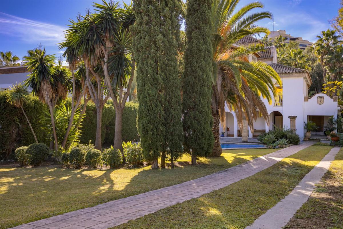 4 bedroom villa for sale nueva andalucia