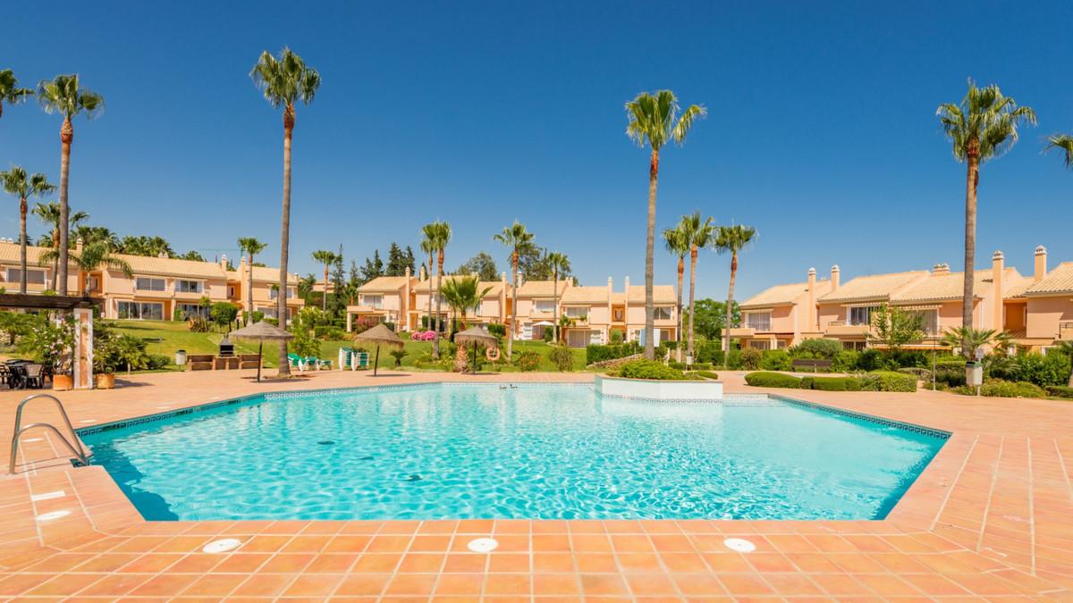 Townhouse, Benahavis, Costa del Sol. 3 Bedrooms, 3 Bathrooms, Built 241 m², Terrace 155 m².  Setting,Spain