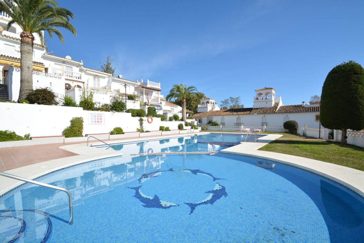 2 Bedroom Townhouse For Sale Elviria, Costa del Sol - HP3323833