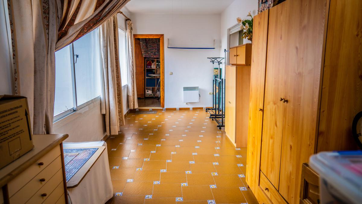 5 Dormitorio Chalet en Venta, Estepona