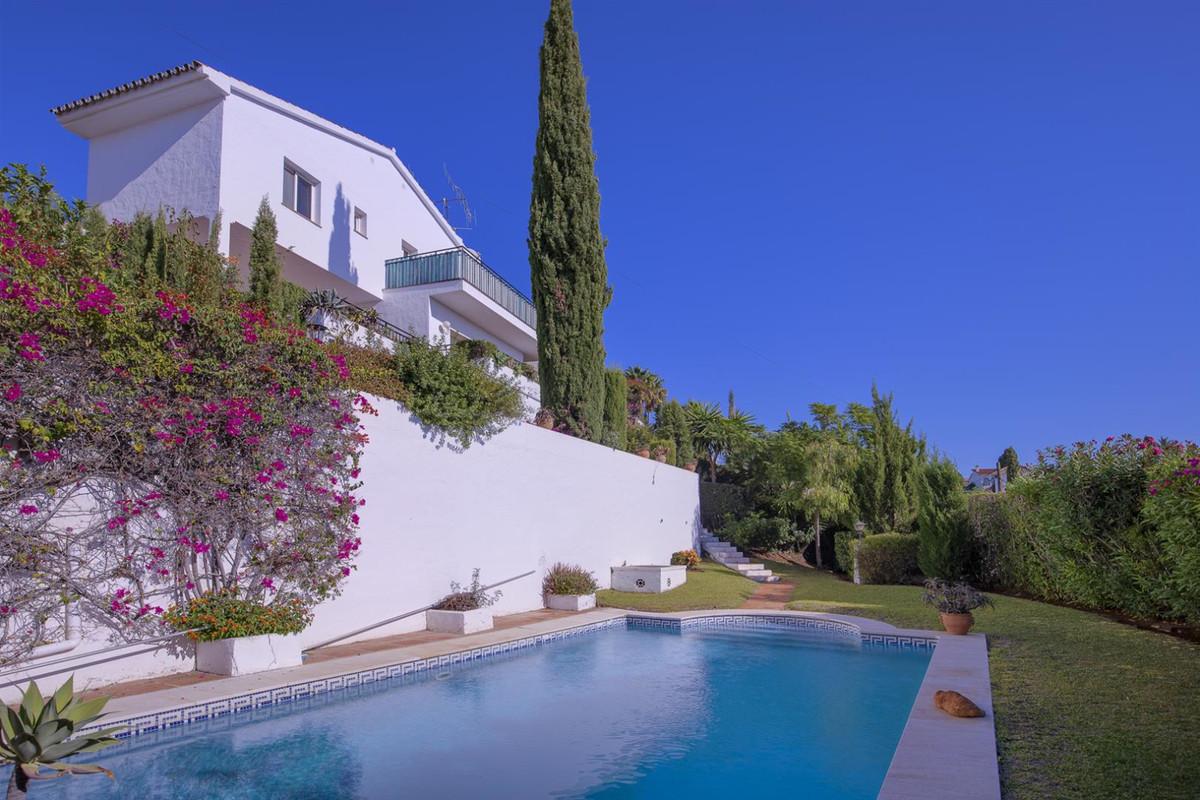 Refurbishment project: independent villa in El Paraiso, between Marbella & Estepona  First time ,Spain