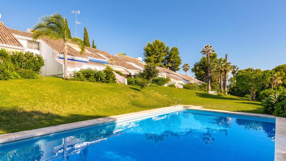 3 Bedroom Townhouse For Sale Marbella, Costa del Sol - HP3867058