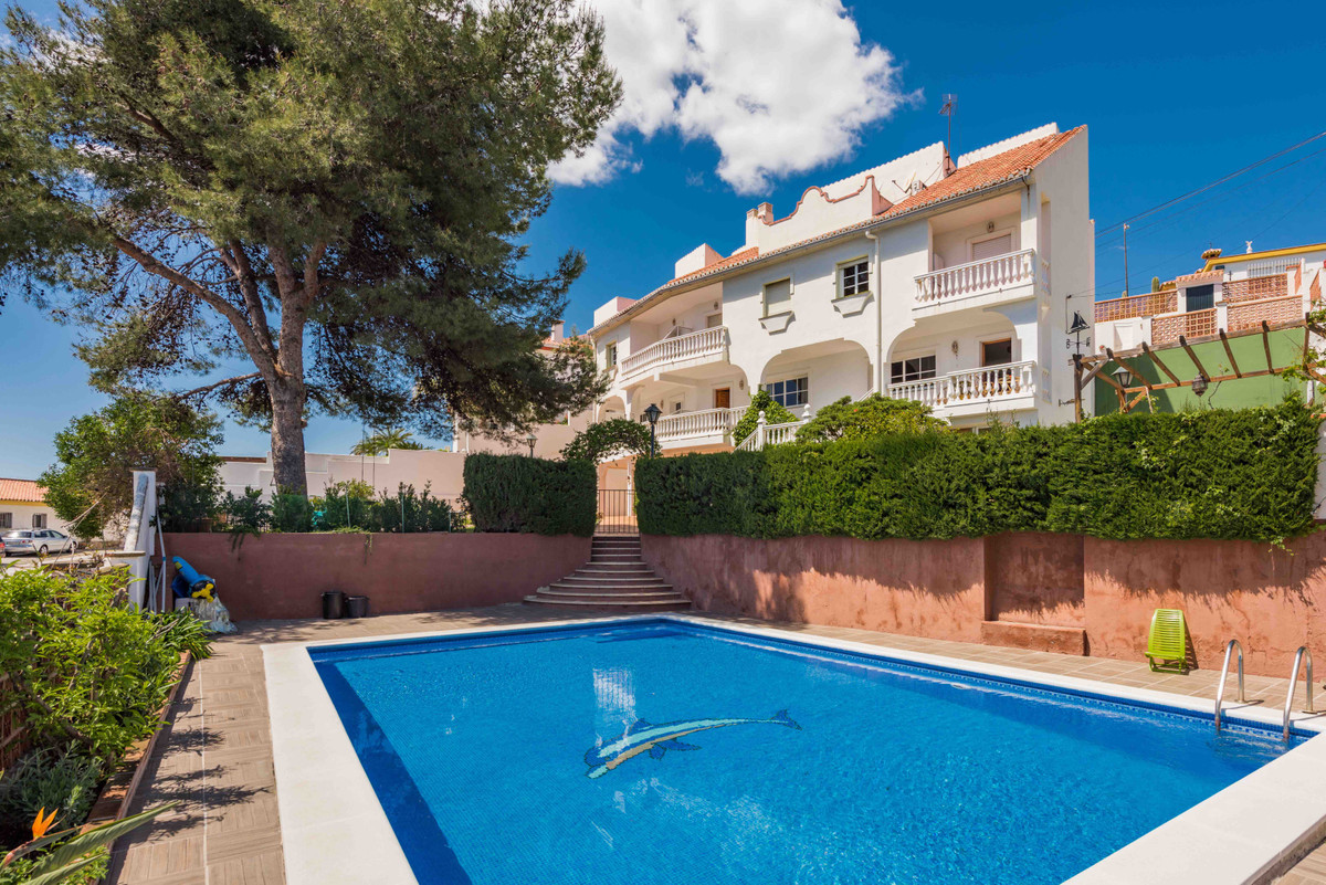 Villa-business: 3 townhouses. As you already know, the holiday home triumphs on the Costa del Sol, i,Spain