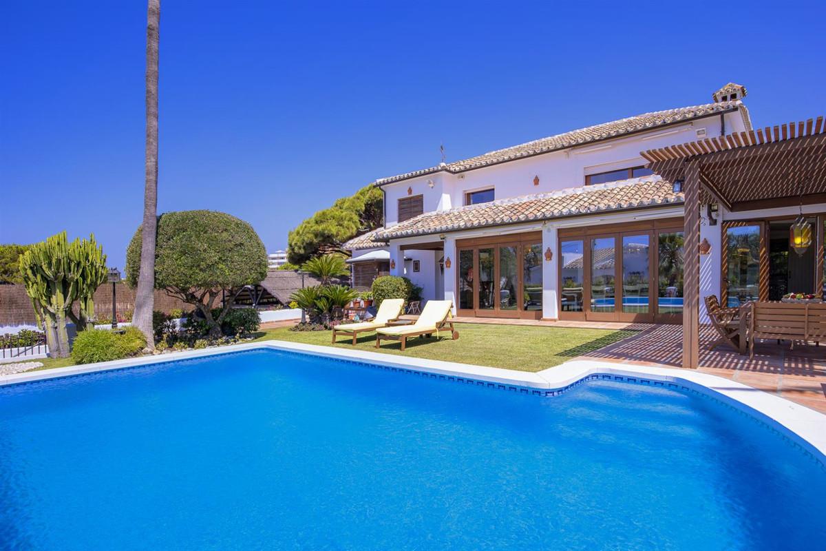 Detached Villa for sale in Marbesa R3458119