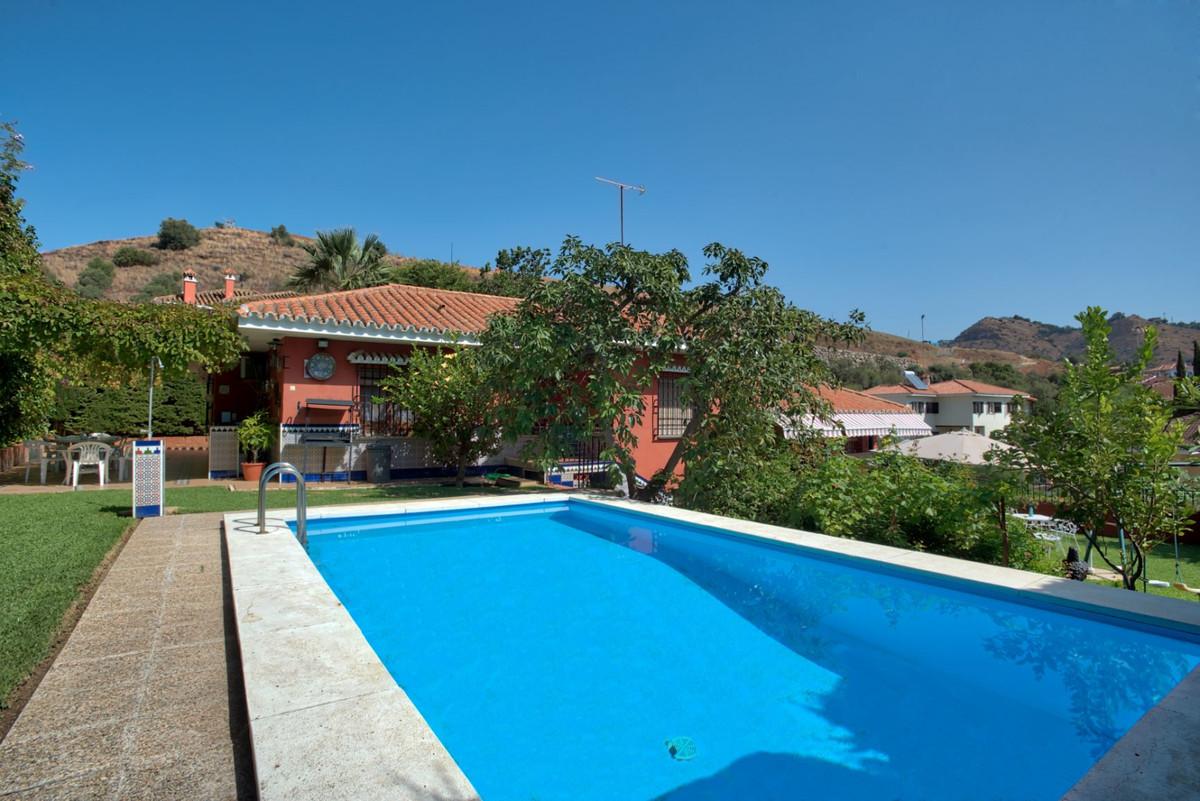 Detached Villa, Malaga Este, Costa del Sol. 4 Bedrooms, 3 Bathrooms, Built 180 m², Garden/Plot 800 m,Spain