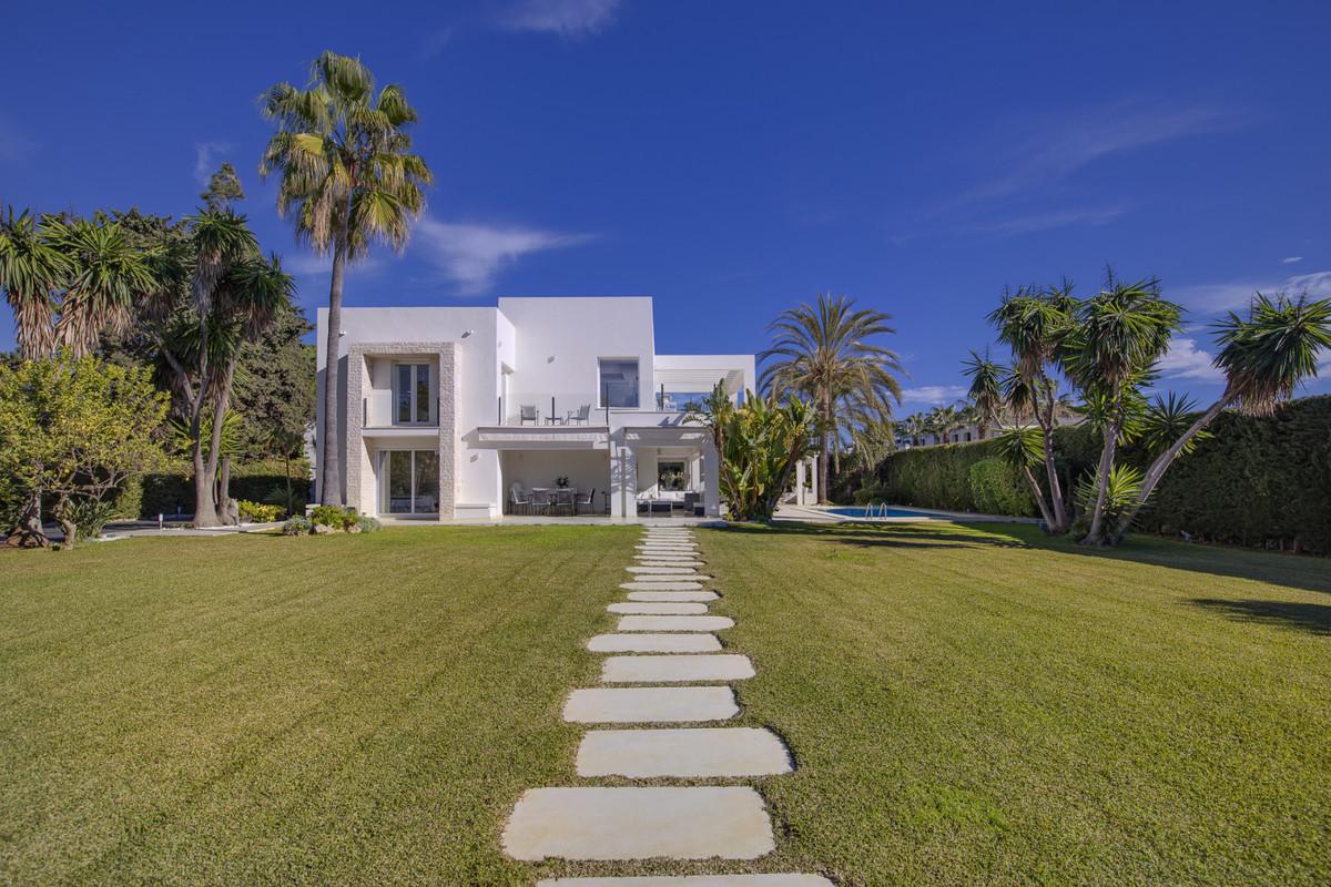 Detached Villa for sale in Guadalmina Baja R3330604