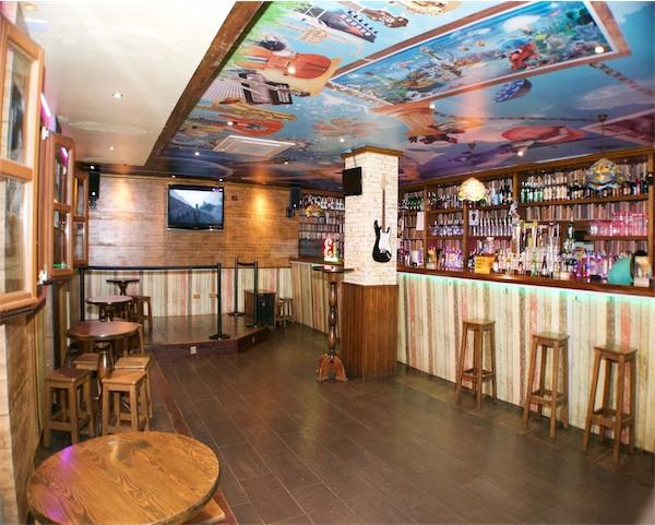 San Pedro Alcantara. Marbella Disco Bar for sale with 132 sqm  Music License for music, improved 12 ,Spain