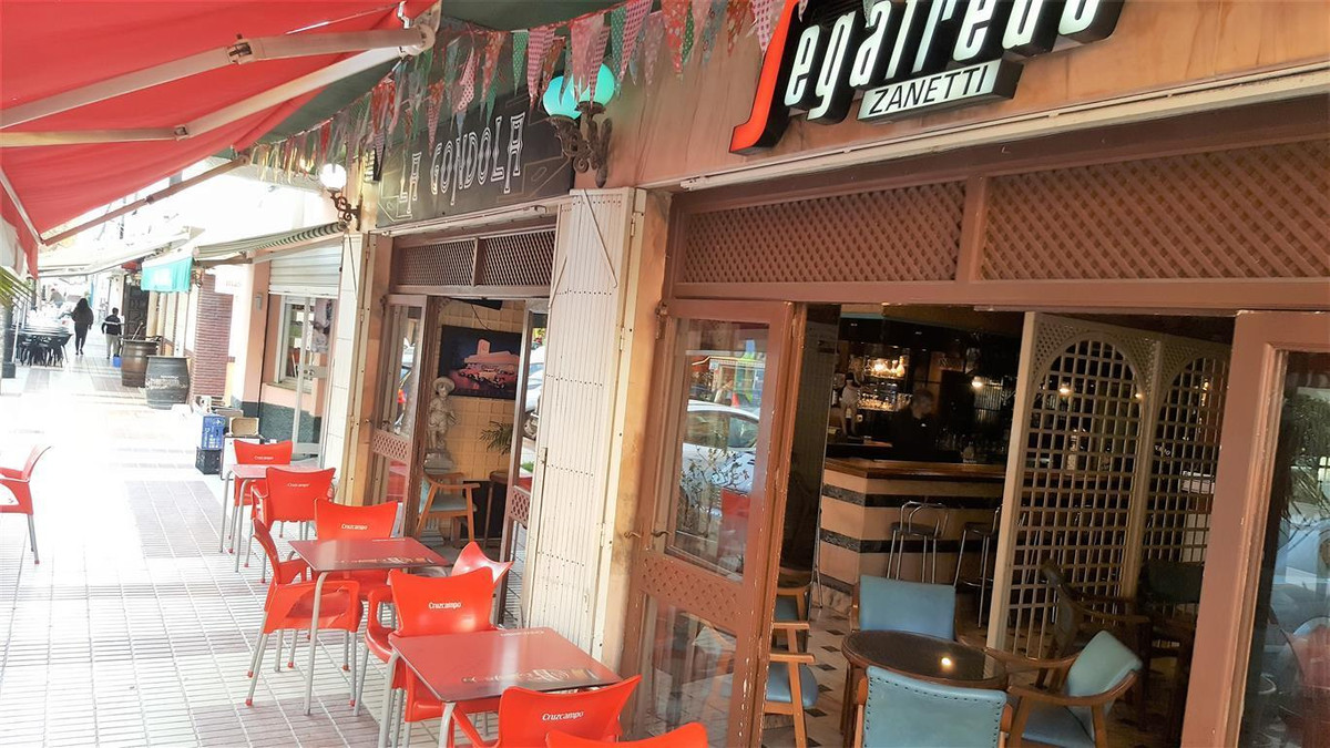Bar, Marbella, Costa del Sol. Built 0 m².  Setting : Town, Close To Port, Close To Sea. Orientation ,Spain