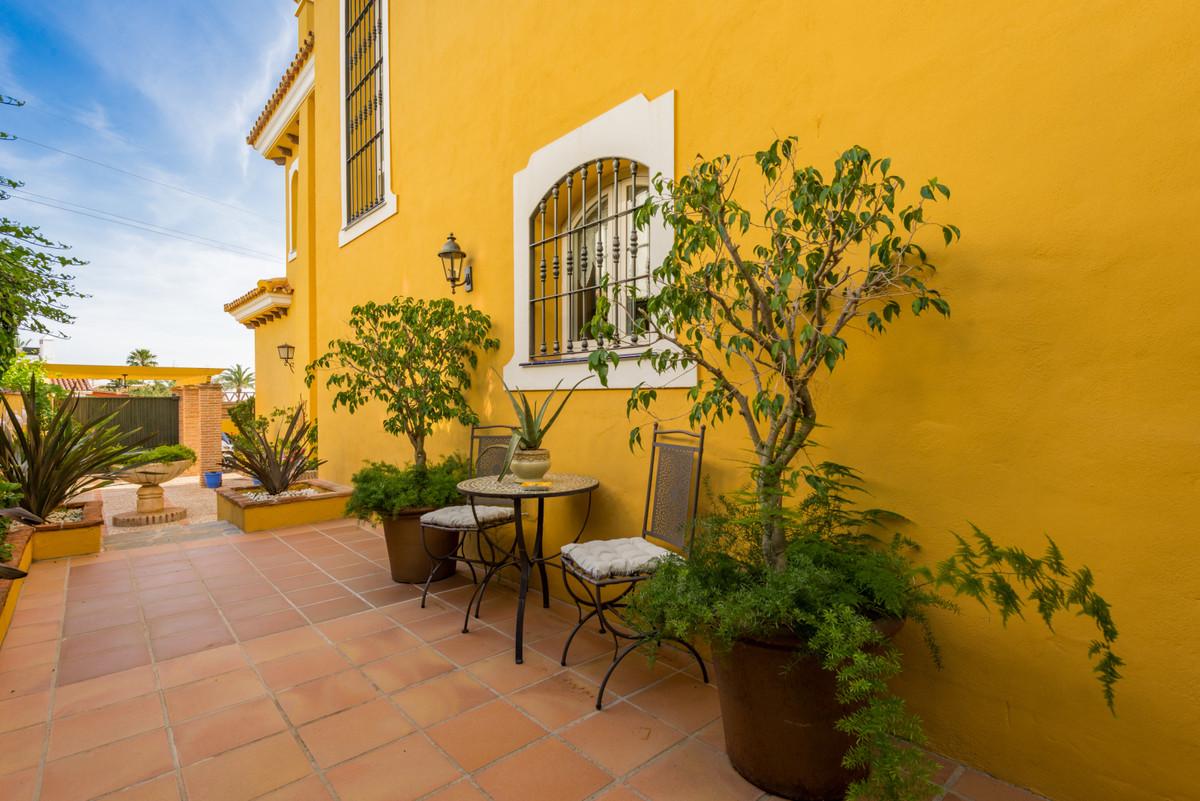 4 Bedroom Detached Villa For Sale Marbella
