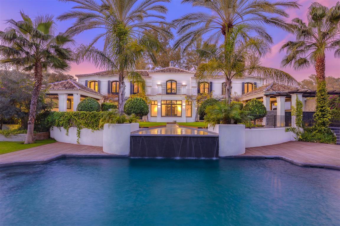 Set in the prestigious residential area of Guadalmina Baja, this white & black sophisticated pro,Spain