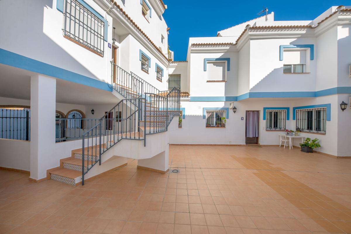 Townhouse in Alhaurín el Grande R3335278