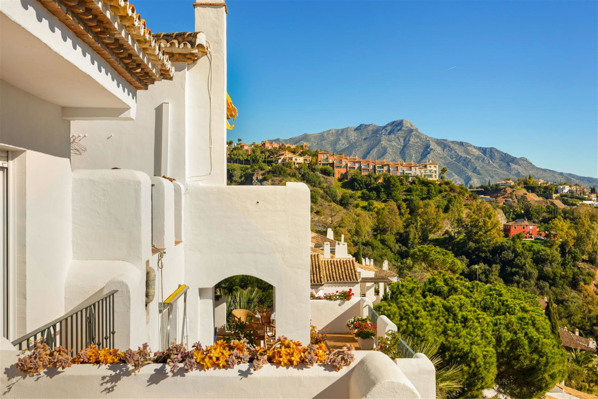 Benahavis. Urb. Puerto del Almendro. Penthouse 3 beds for sale. Amazing penthouse in Benahavis (Cost,Spain