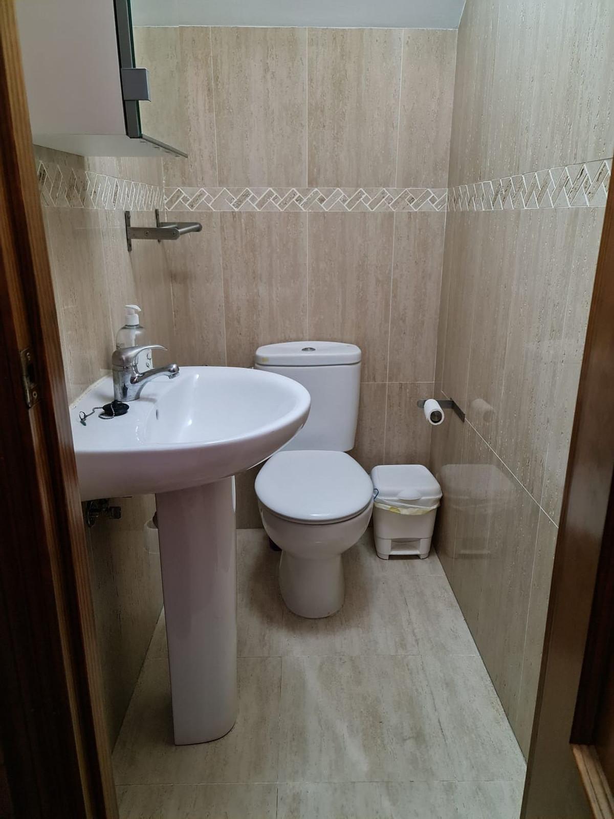 House in Alora R3866575 12