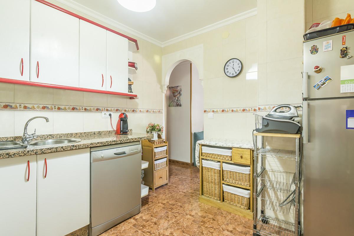 3 Bedroom Middle Floor Apartment For Sale Benalmadena