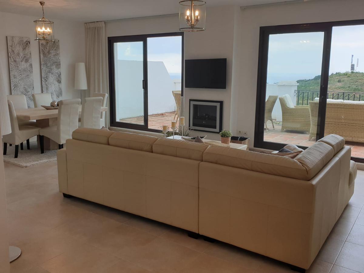 Apartamento  Ático en venta   en Altos de los Monteros