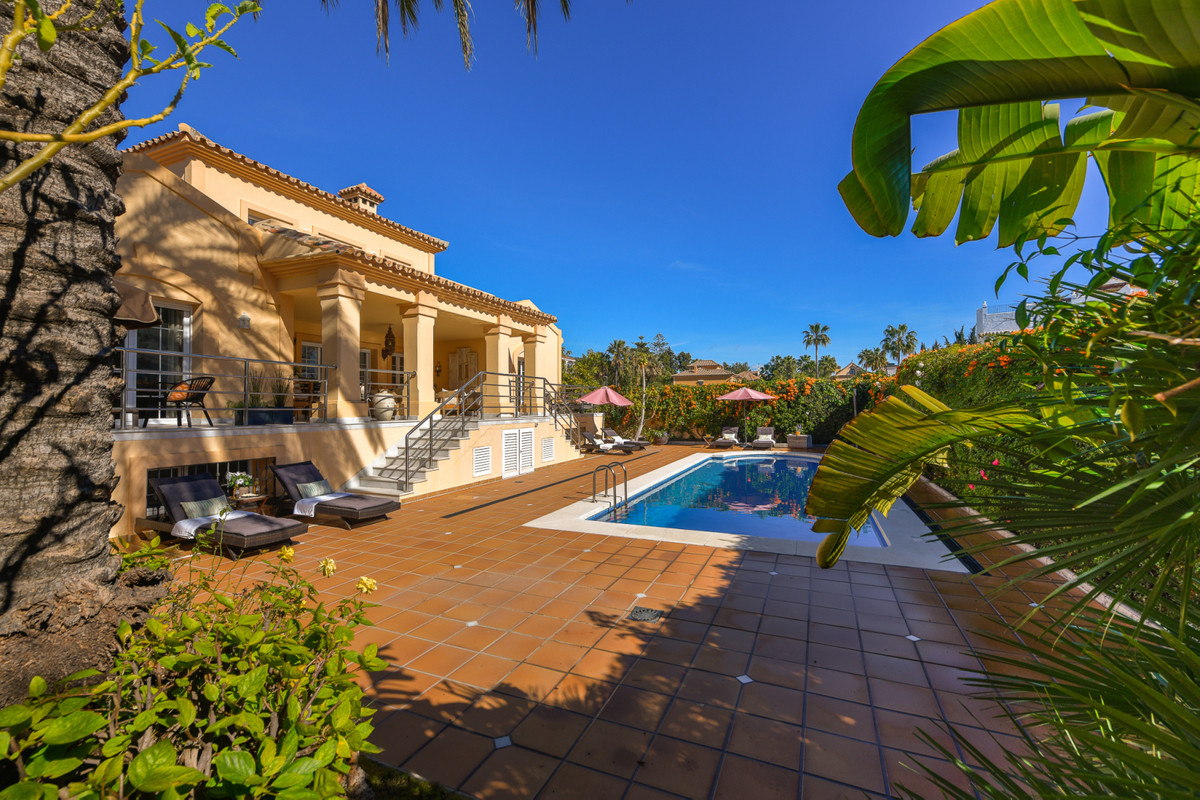 Recently reduced from 2.150,000€ to 1.750.000€  We would like to welcome you to your new elegant And,Spain