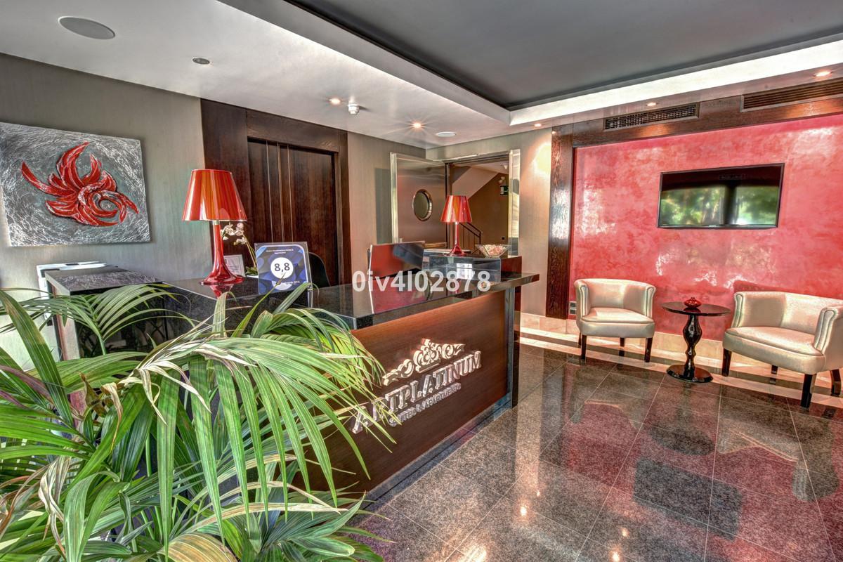 Hotel na sprzedaż w Torrequebrada R3810736