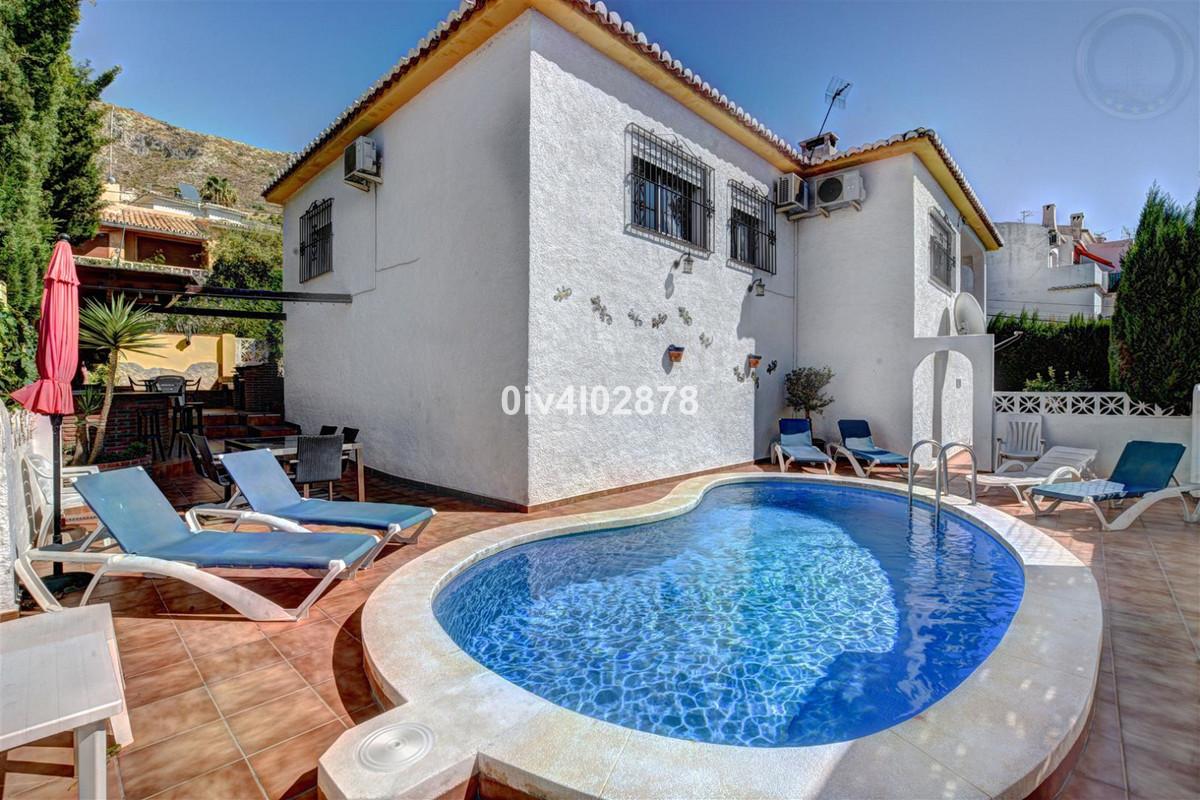 Villa  Independiente en venta   en Arroyo de la Miel