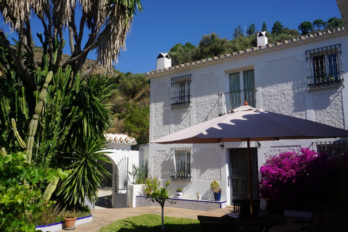 Moclinejo is a town in the interior of the province of Malaga. It is only 10 minutes from the motorw,Spain