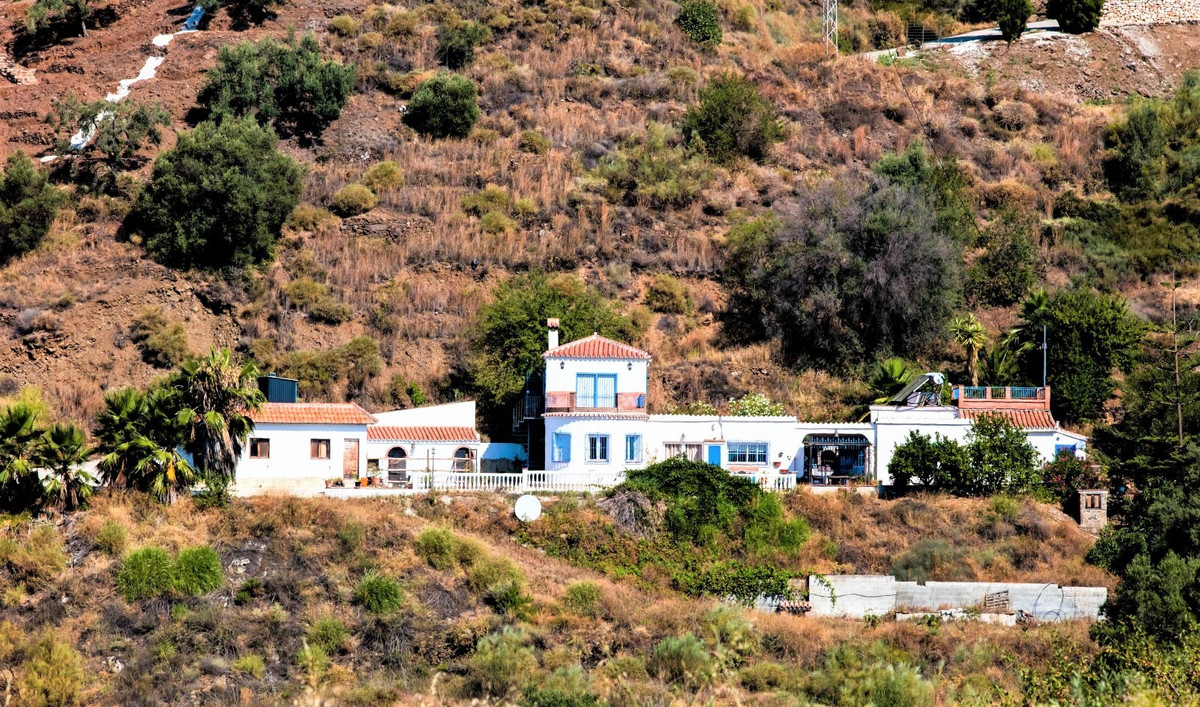 Absolute privacy, good access and panoramic views of the Mediterranean Sea, is that what you are loo,Spain
