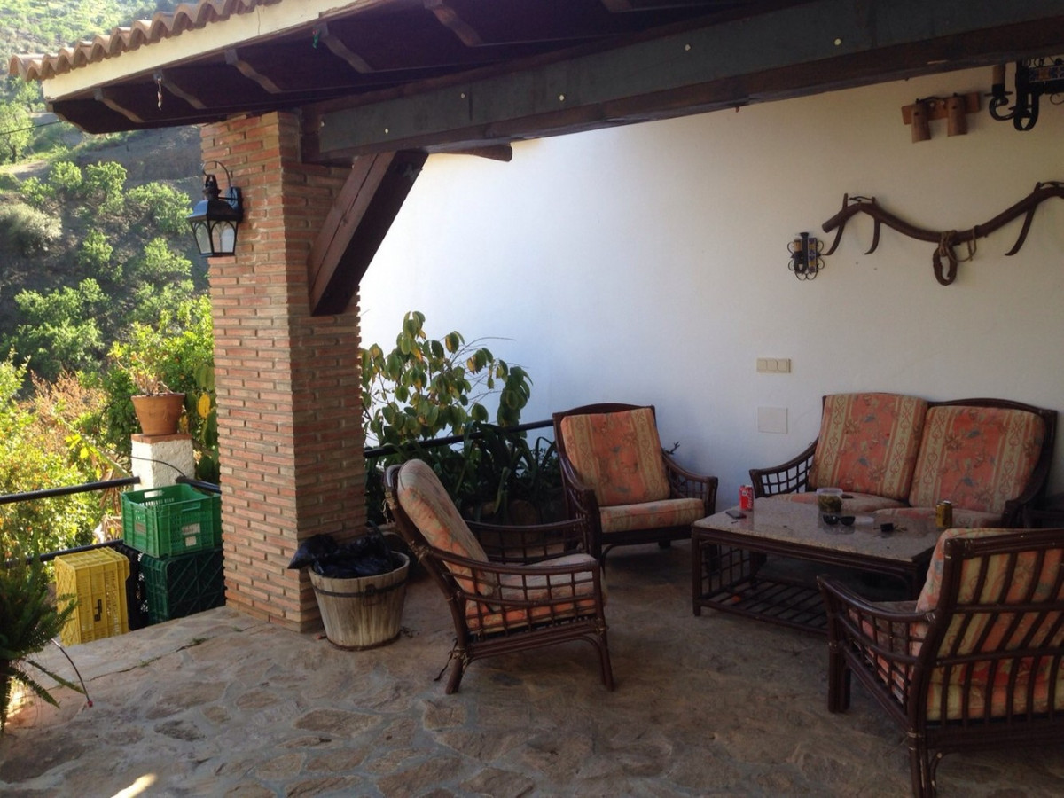 Beautiful Finca in Riogordo. The property has a total construction of 171 m2 on a plot of 2032 m2. I,Spain